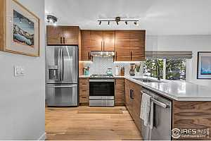 More Details about MLS # 924216 : 1860 WALNUT ST 4